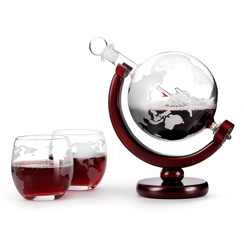 Whiskey Decanter Globe Wine Glass Set Sailboat Skull Inside Crystal Whisky Carafe with Fine Wood Stand Liquor Decanter for Vodka