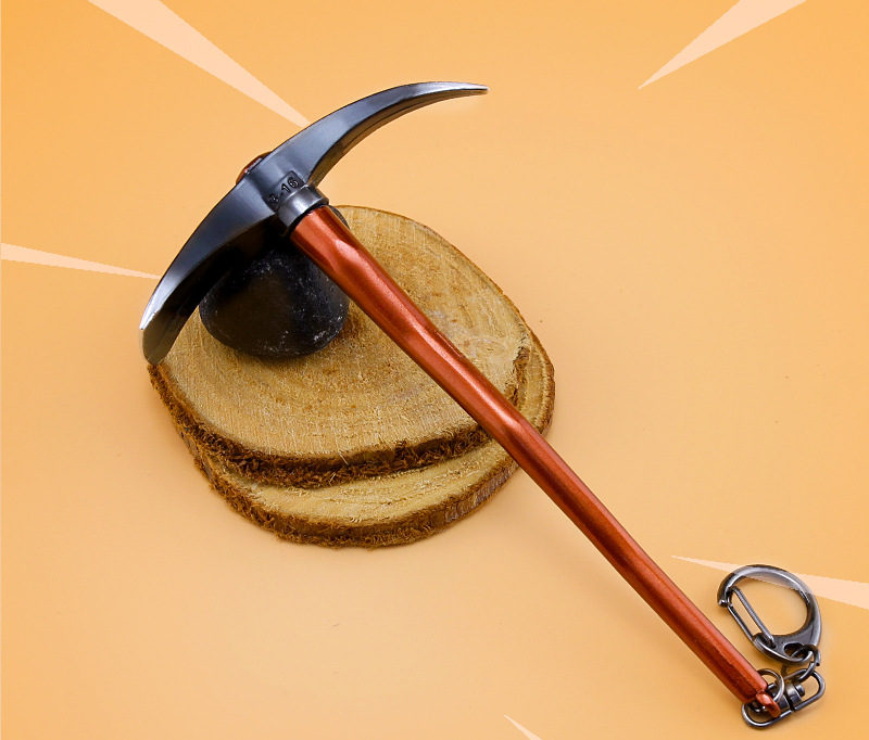 Battle Royale Toy Model The Hoe Pickaxe Keychain Alloy Weapons Kids Toy Collection Decoration 1
