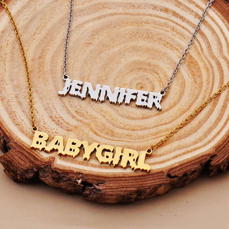 name necklace 2