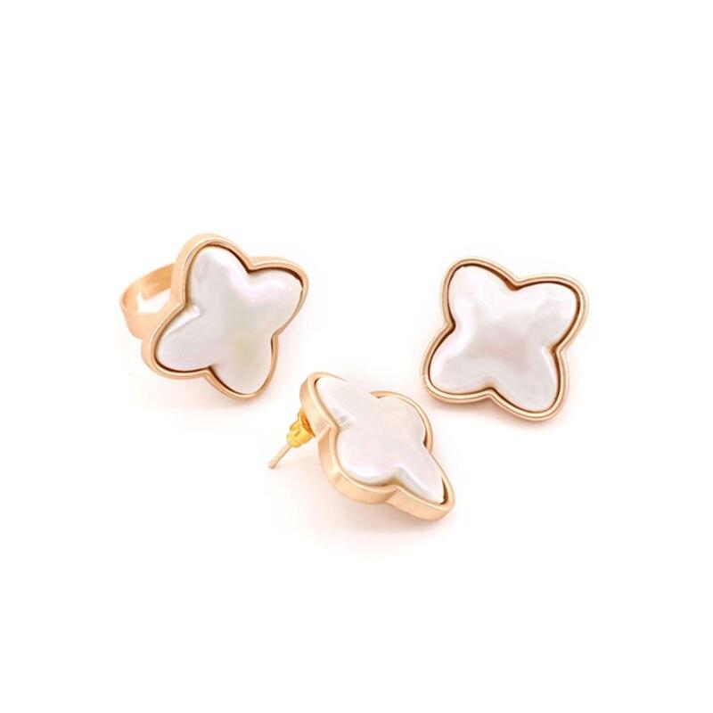 Alloy Clover Imitation Pearl Stud Earrings Fashion Simple Statement Fine Metal Geometric Earrings Women Wedding Party Jewelry