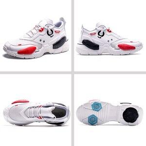 Image 2 - ONEMIX unisexe baskets grande taille 2020 nouvelle technologie Style cuir amortissement confortable hommes sport chaussures de course Tennis papa chaussures