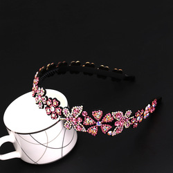 New Ladies European and American Simple Fashion Flower Butterfly-Shaped Headdress Inlaid With Imported Crystal Hair Accessories