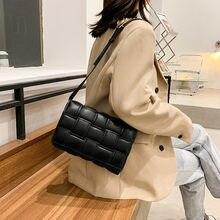 Sac à rabat noir carré pour femmes, petit sac à bandoulière en cuir de bonne qualité, sacs à épaule tissés de couleur unie pour dames