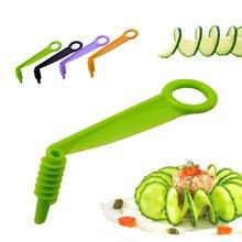 Magia di Rotazione Manuale A Spirale Affettatrice Cetriolo Carota Patata Verdure Taglierina A Spirale Gadget Da Cucina