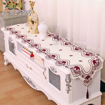 Europe Embroidered Table Runner Flag Table Cover Cup Mat 213 Red Wine Flower Banner Pad TV Cabinet Cloth Wedding Home Textile