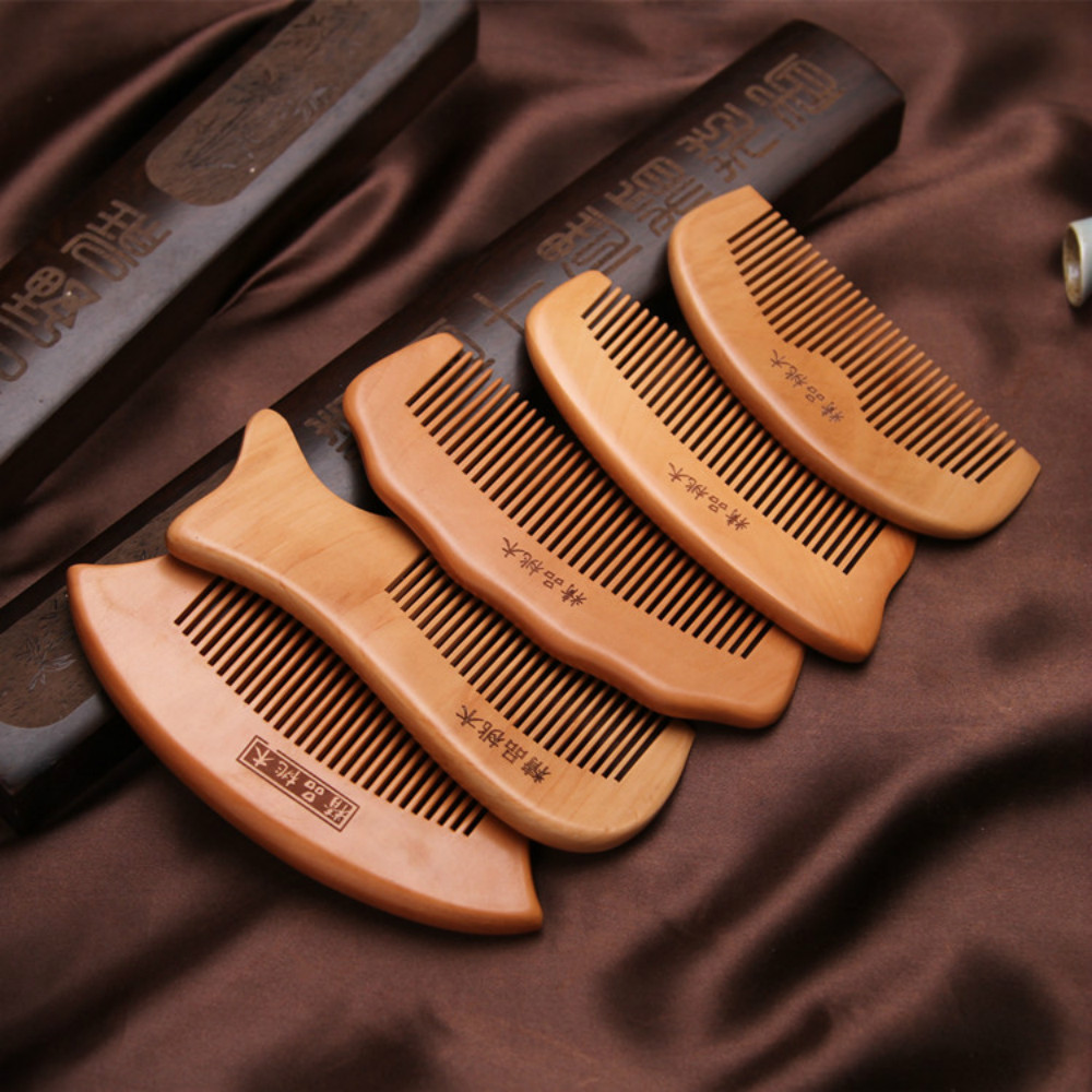 1pcs Anti-Static Comb Natural Peach Solid Wood Combs for women Engraved Peach Wood Healthy Massage Hair Care Tool Accessories