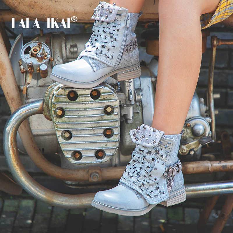 LALA IKAI kadın PU deri yarım çizmeler batı tarzı kadife dize boncuk Hollow fermuar Med topuk platformu kış çizmeler 900A2164- 5
