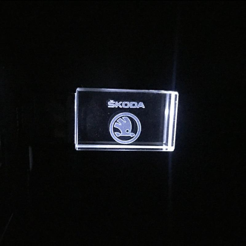 Crystal Skoda Car Key Fashion Crystal USB Flash Pen Drive Custom Logo LED Light USB 2.0 4GB 8GB 16GB 32GB Wedding Gift Pendrive