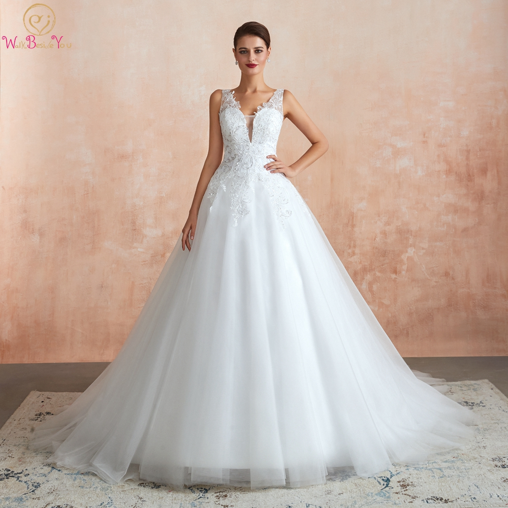 100% Real Pic Ball Gown Bride Dresses 2020 Mariage Deep V Neck Tulle Lace Appliques Sequined Sleeveless Wedding Gowns Robe Stock