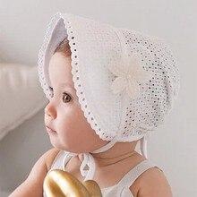 Популярная Весенняя Кепка, летняя Милая шапочка принцессы для маленьких девочек, шапочка на шнуровке, хлопковая шапочка, детская шапочка с цветком, кружевная шапочка с цветочным рисунком