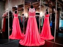 Ярко розовое шифоновое платье для выпускного вечера с высоким