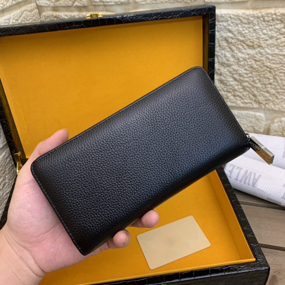 2021 Fashion Luxury Brand, High Quality Leather Material, Super Large Space Capacity Charm Wallet