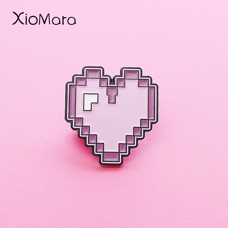 Rétro Pixel violet coeur émail broche mignon Funy sac à dos chapeaux accessoires émail broches broches pour les amis