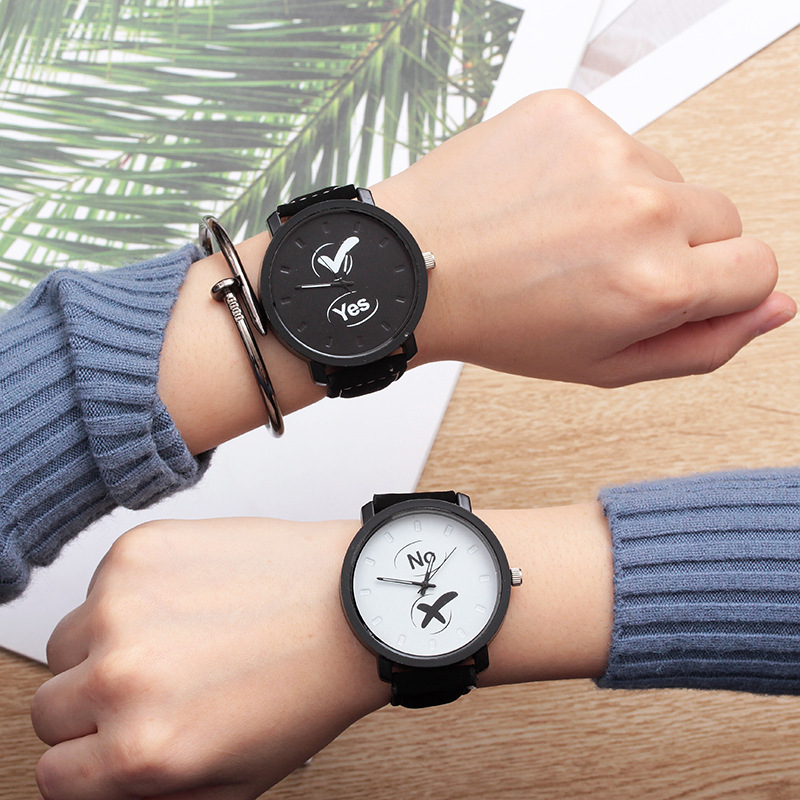 New Couple Watches Hot Fashion Lovers Hot Selling Quartz Analog Leather Band Wrist Watch Student Watch Dropshipping No Bangle