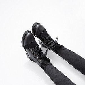 Image 2 - YMECHIC 2019 אופנה צלב עניבת שמנמן נמוך העקב אישה מגפיים שחור צהוב גבירותיי להחליק על נעלי פאנק גותיקה קרסול Combat מגפי חורף