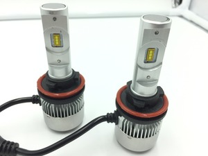 Two R3 6000 K led taillights 36 w / 3800lm ultra bright automotive LED bulb LED 12 V glowtec +