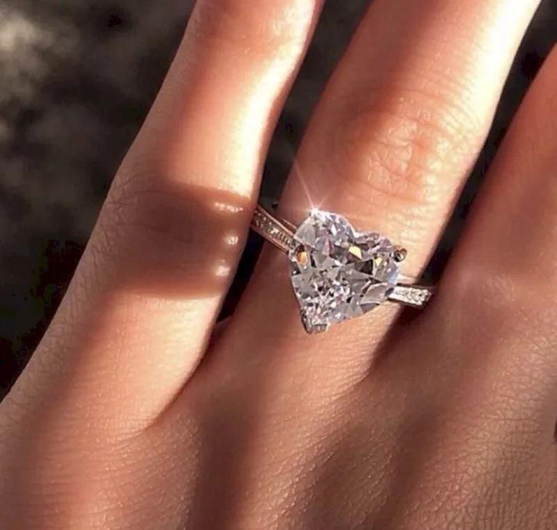 картинка обручального кольца с сердцем и камнем сходку кланов наименование