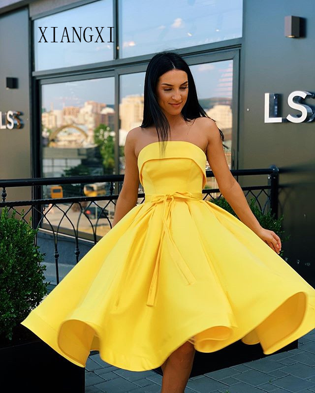 Sky Yellow Homecoming Dress 2019 Satin A-Line Off The Shoulder Knee Length Graduation Dresses Short Party Gowns Homecoming Dress