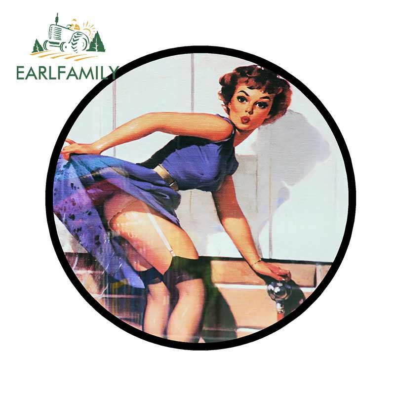 EARLFAMILY 13cm X 13cm Retro 60s Pin-up Girl Fun Car Tax Disc Holder Vinyl Decal Wall Window Car Sticker Waterproof Graphics
