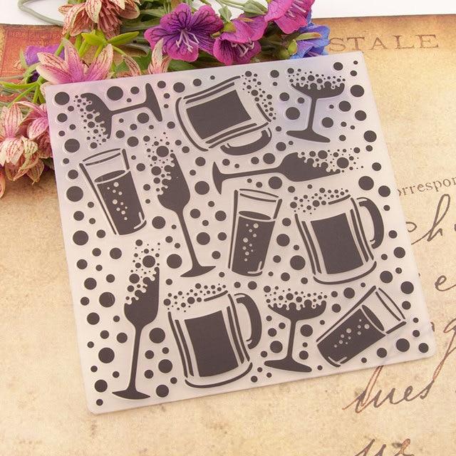 Bicchiere di vino Tazza di Caffè di Plastica FAI DA TE Goffratura Cartella Stencil Template Stampi Scrapbooking Carte di Carta, Rendendo le Foto Album Decorazione