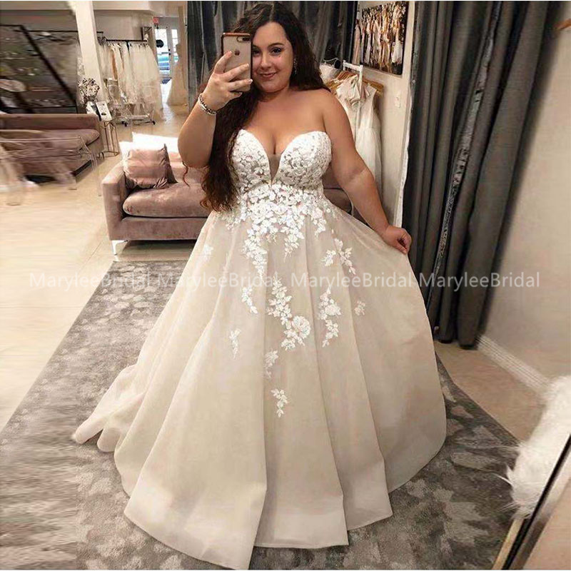 2020 Robe De Mariee Plus Size Wedding Dress Sweetheart A-line Champagne Bridal Dress With Ivory Appliques Long Suknia Slubna