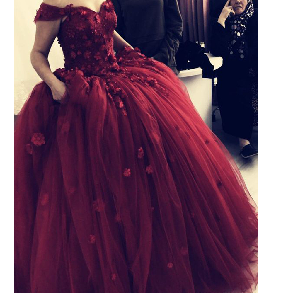 Ball Gown Prom Dresses 2020 Off The Shoulder Beaded Sequins Crystal Hand Made Flowers Wine Red Evening Dresses Gowns
