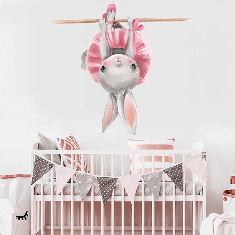 Carino Grigio Bunny Coniglio Ballet Adesivi Da Muro per la Camera Dei Bambini Del Gatto Del Bambino Nursery Decalcomanie Della Parete Del Fiore di Colore Rosa per la Ragazza In Camera decorazione Della casa
