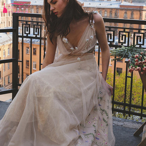 Image 5 - Meticlously Embroidery Wedding Dresses Dreamy Bohemian Bridal Gowns Backless Vestido De Noivas Chic Abiti da Sposa  ZW205