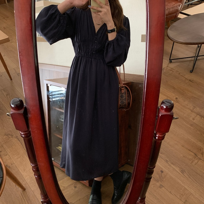 Hcdec2410a8a04a77ad6866c4845fc1c4Z - Autumn V-neck Long Sleeves Pleated Waist-Controlled Solid Loose Dress