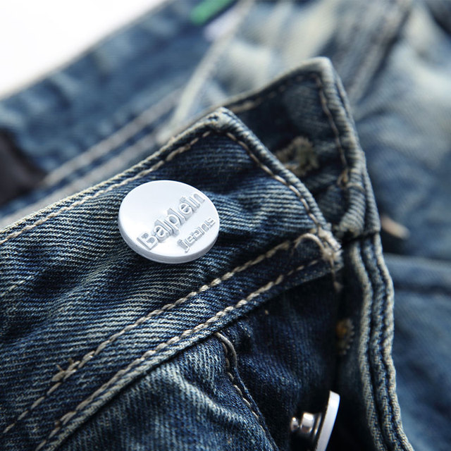 Fashion Retro Destroyed Men Jeans Slim Fit Classical Denim Pants Embroidery Patches Ripped Jeans Men Streetwear Hip Hop Jeans 48