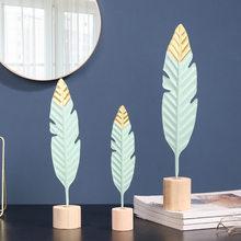 İskandinav yaratıcı demir tüy şekil süsler figürler ev dekorasyon aksesuarları oturma odası süsler ev dekor için