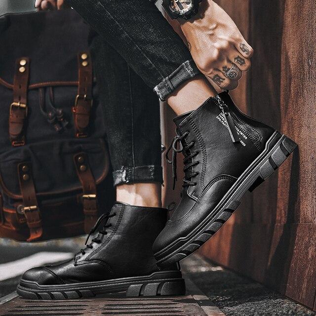 Фото модные высококачественные осенние мужские ботинки из натуральной