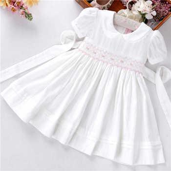 Estate del bambino vestiti delle ragazze bianco smocked di cotone fatta a mano da sposa depoca abbigliamento bambini Della Principessa Del Partito boutique di vestiti dei bambini
