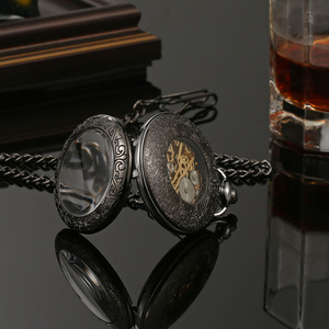 Image 4 - 블랙 steampunk 레트로 기계 포켓 시계 hollowed 목걸이 운동 포켓 & fob 시계 체인 남성 여성 시계 선물