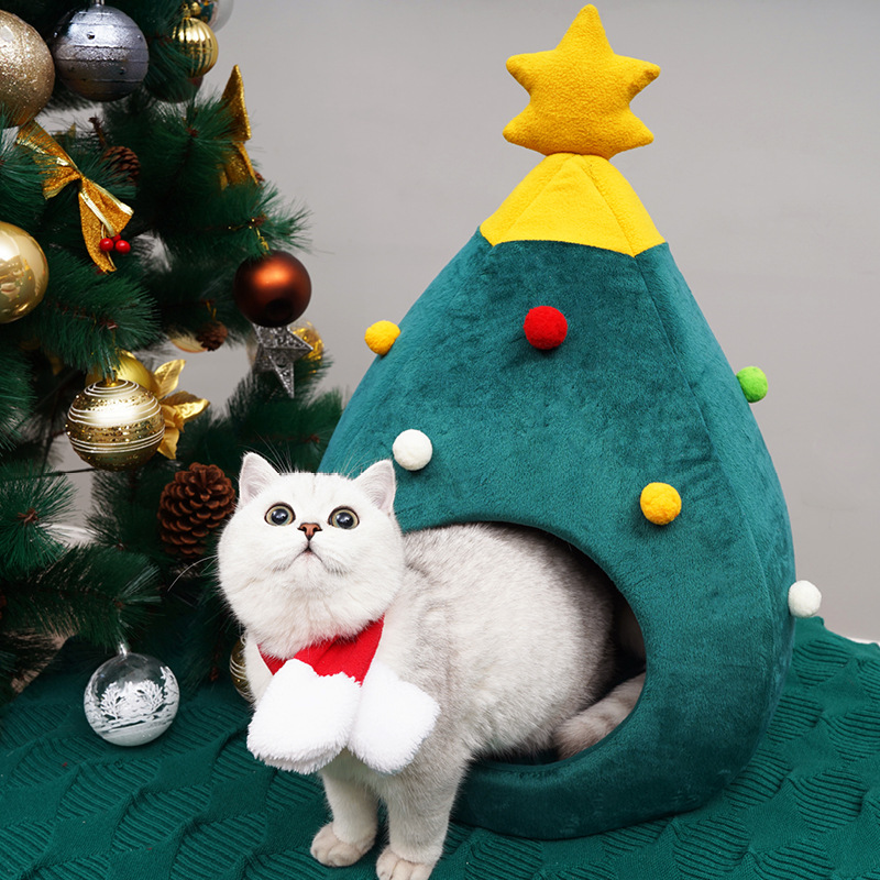 Christmas Tree House 1