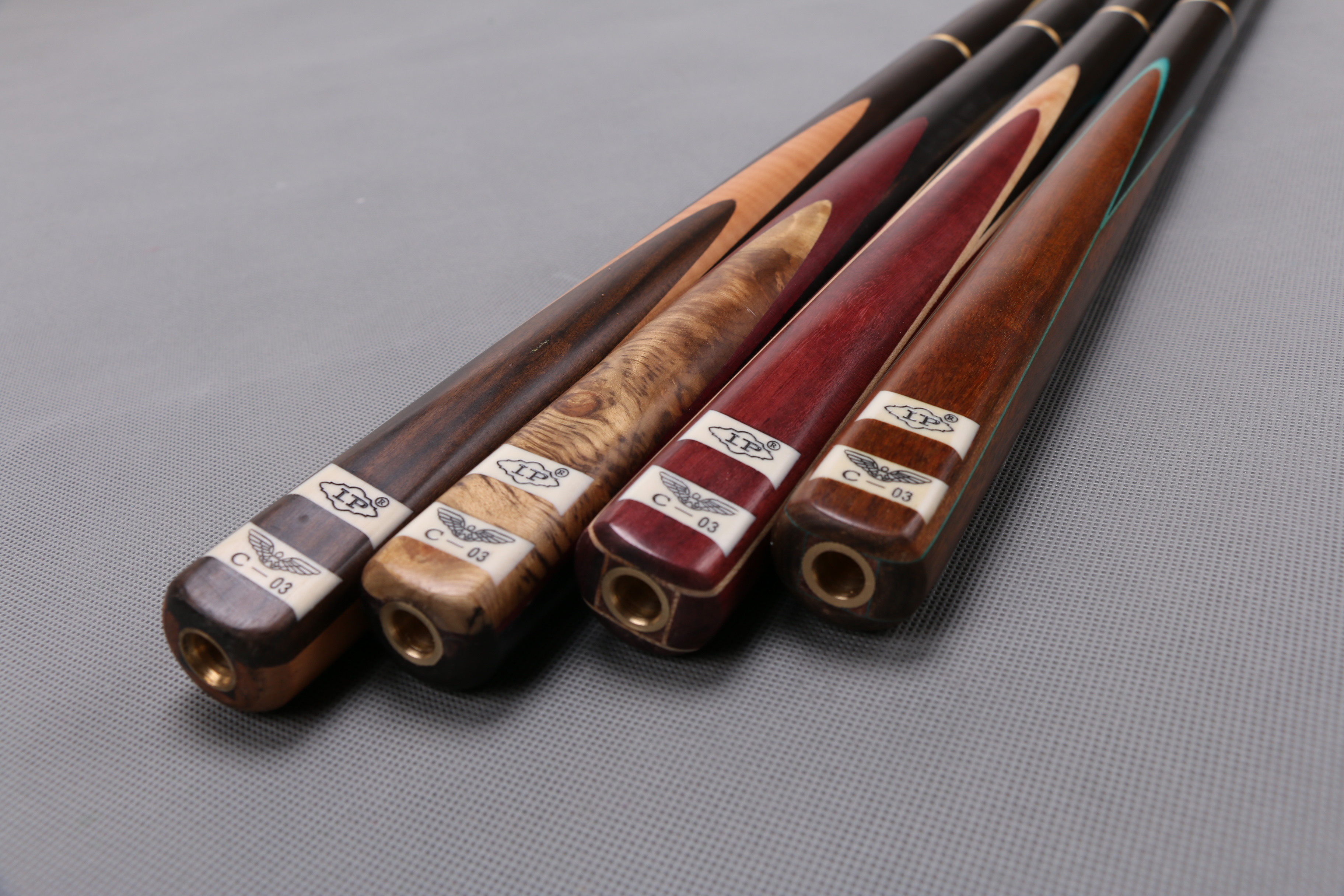 57/'/' 3//4 2-Piece Wood Jointed Pool Cue Stick Snooker Billiard Game Sport Bar