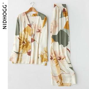 Image 2 - Nouveau Satin impression florale pyjama ensemble mode à manches longues Pijamas femmes col en v ensemble dintérieur 2 pièce maison vêtements de nuit 2020
