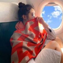 Модный женский шарф большого размера на осень и зиму плотная