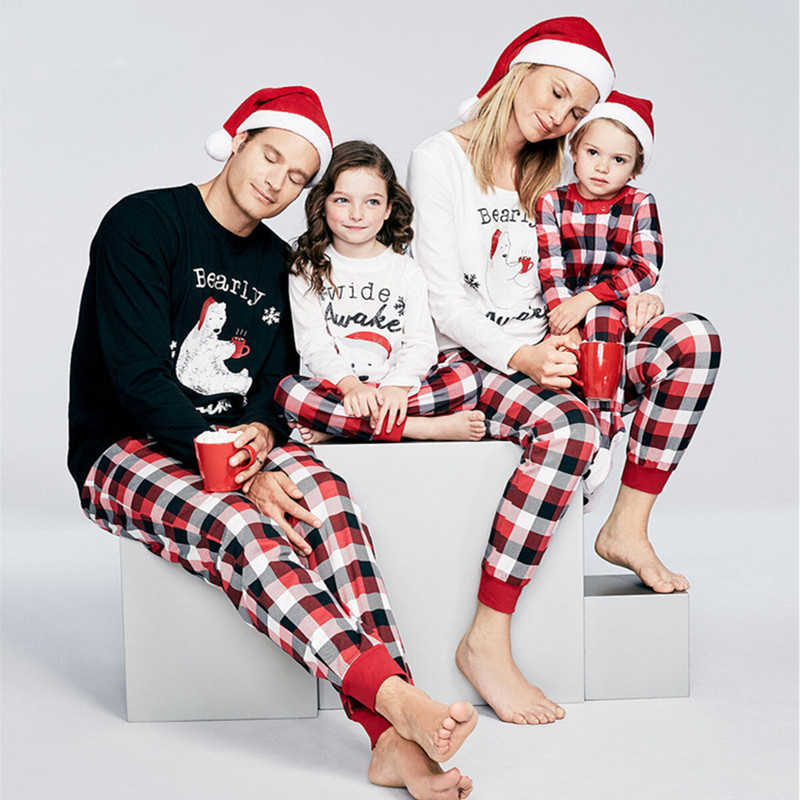 2019 Family Casual Christmas Pajamas Cotton Warm Cute Sleepwear Family Matching Sleepwear Kids& Parent Cute Party Nightwear Suit