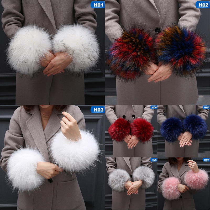 Amazing Fashion Design Women Warm Winter Windproof Cuffs Set Bracelet Fur Oversleeve New Arrival 2019