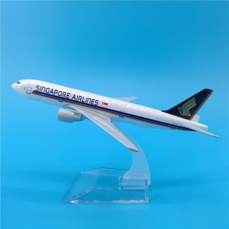 16cm Airplane Model Singapore Airlines Boeing 777 Simulation Metal Diecast Alloy Plane Kids Toys image