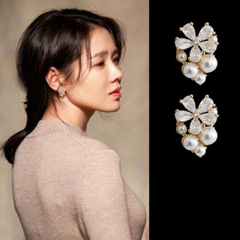 Son Ye Jin same 2020 fashion new versatile Flower Earrings Korean five petals flower image