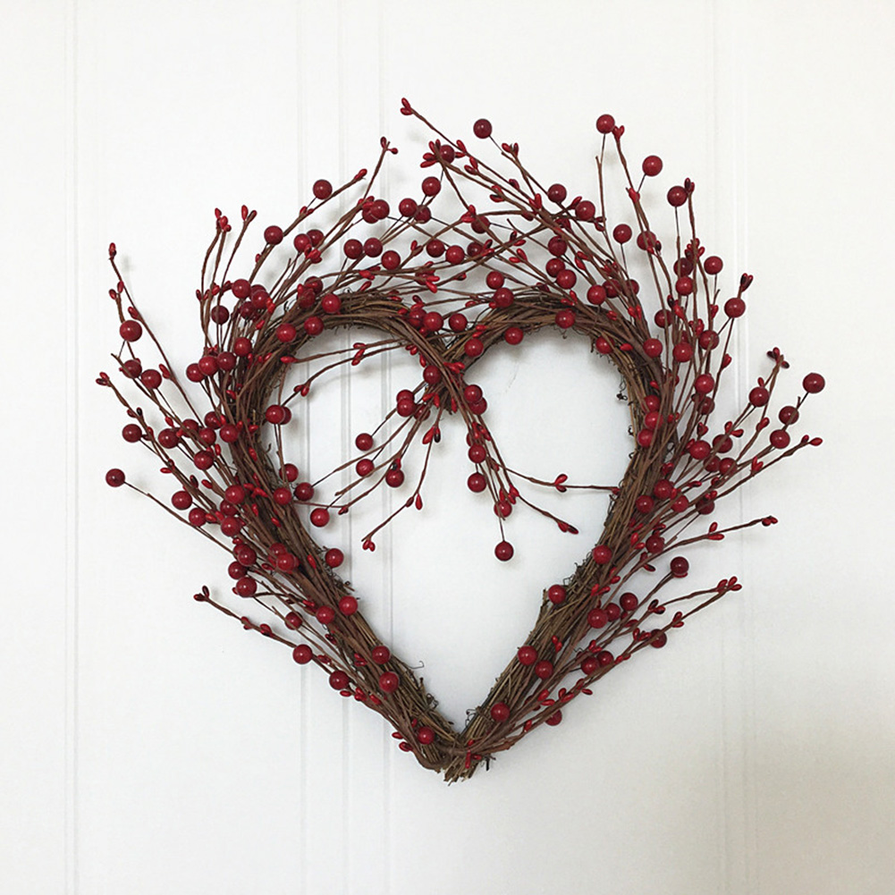 40cm Rattan Artificial Red Berry Heart Shaped Wreath Decorative Christmas Home Door Wreath Flores Artificiales