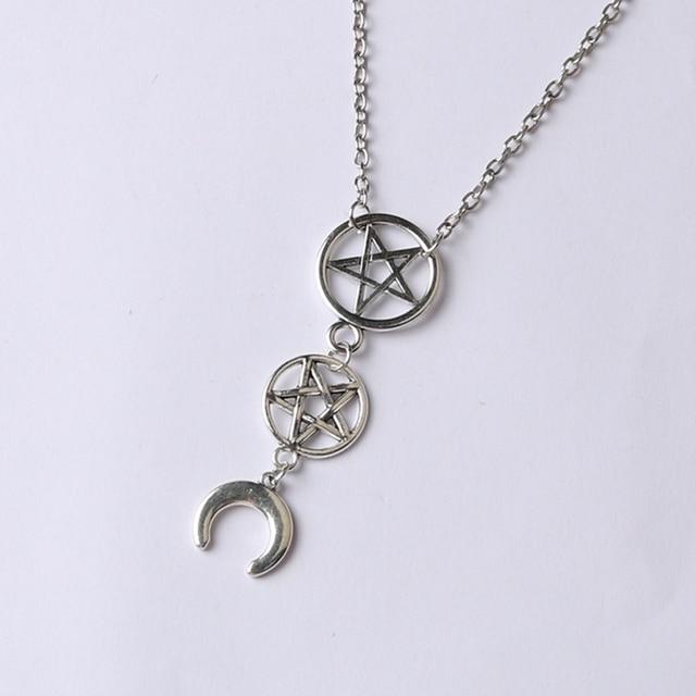 LUNA SACERDOTESSA, falce di luna collana, inverted pentagram, a testa in giù luna, occulto, esoterico, goth, gotico, satanico simboli