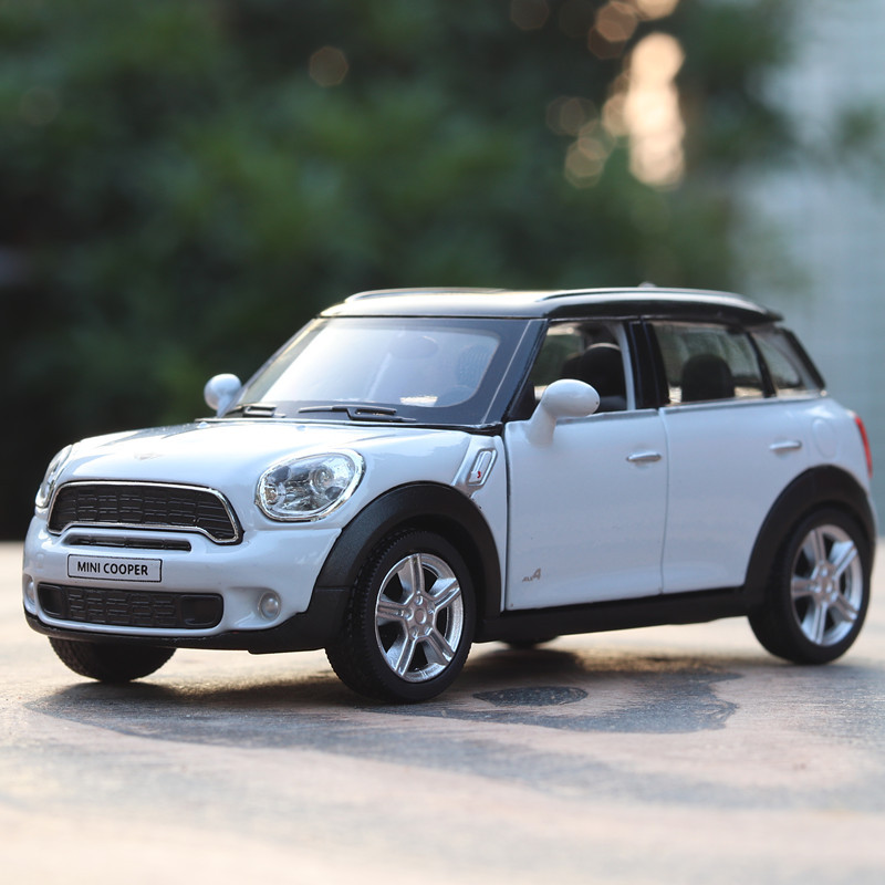 High Simulation RMZ City 1:36 Mini CountryMan Cooper Toy Vehicles Alloy Car Sound And Light Car Model Toys Pull Back Kids Gifts