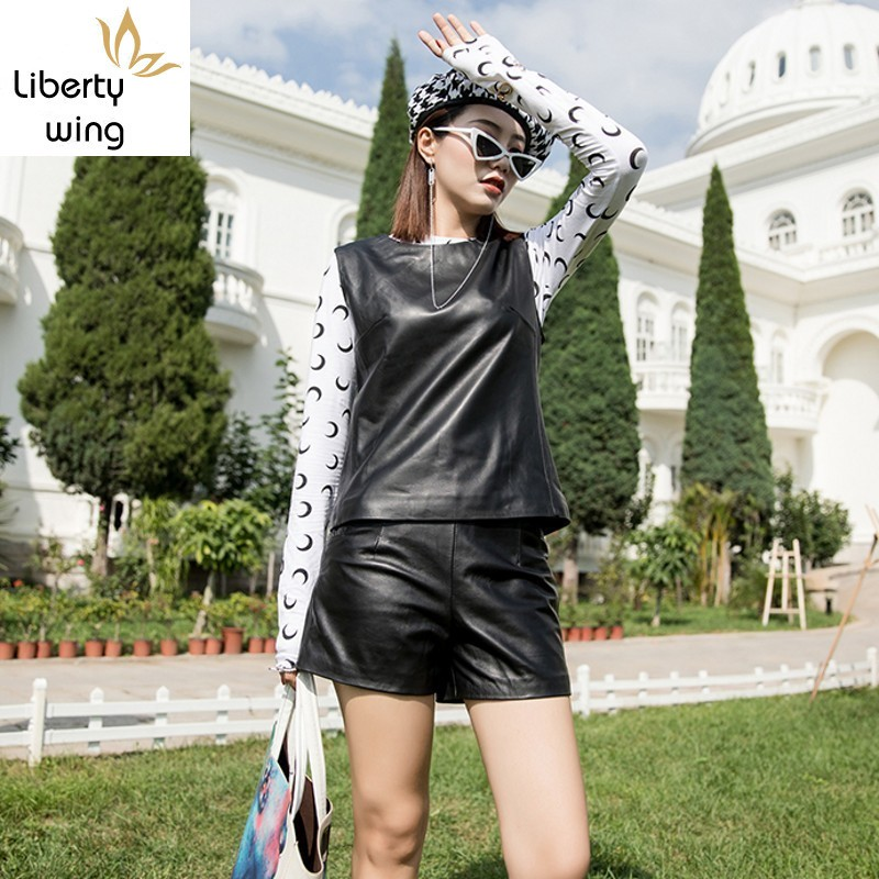 Autumn Winter New Sheepskin Women Sleeveless Short Vests O-Neck Back Zipper Slim Fit Genuine Leather Female Waistcoats Plus Size