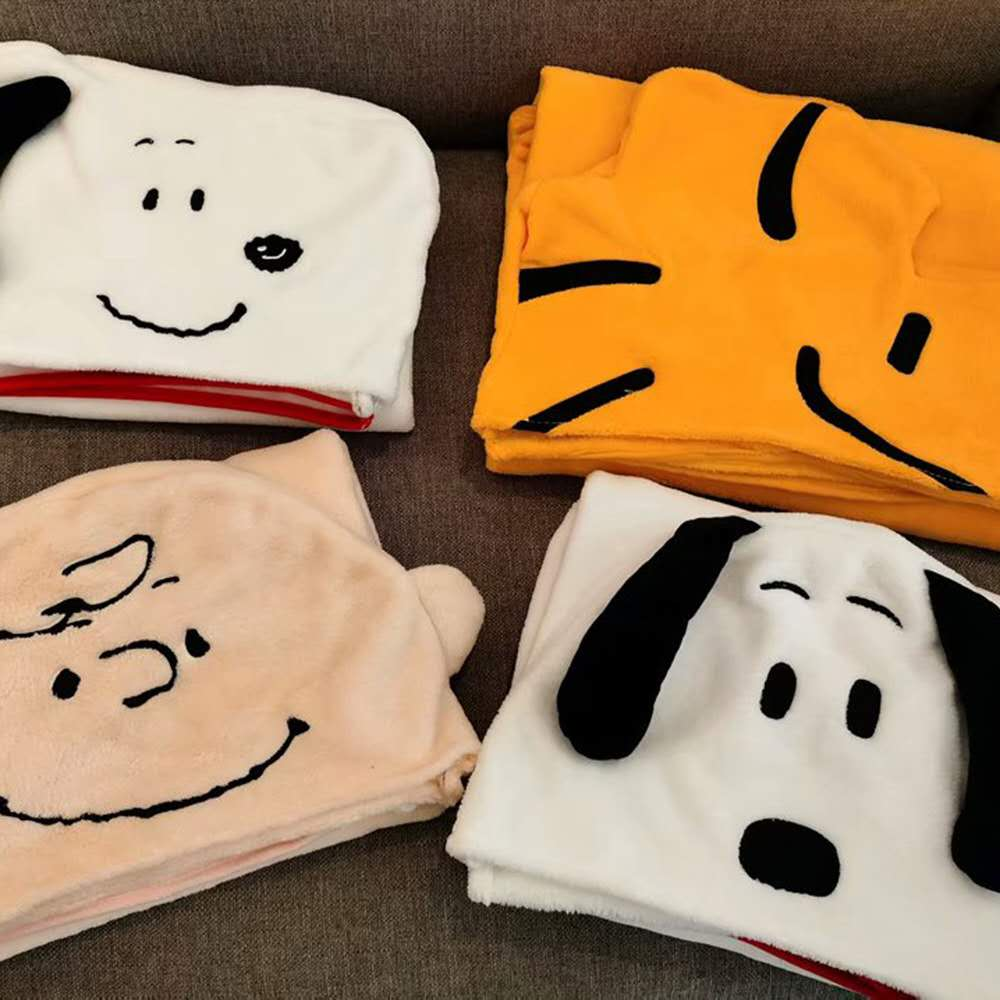 High Quality Snoopy Nap Plush Blanket With Hat Bath Travel Home Pillow Nap Blanket Super Soft Birthday Gift For Kids Friends
