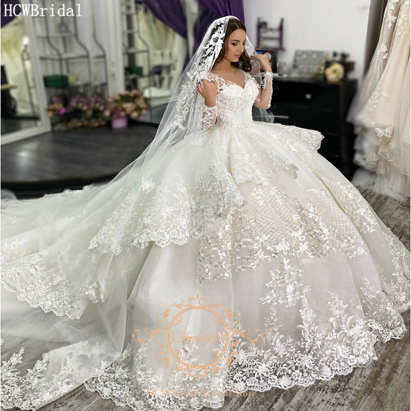 Luxury Ball Gown Muslim Dubai Wedding Dress Long Sleeves V Neck Graceful Lace Long Train Bridal Wedding Party Dress Custom Made