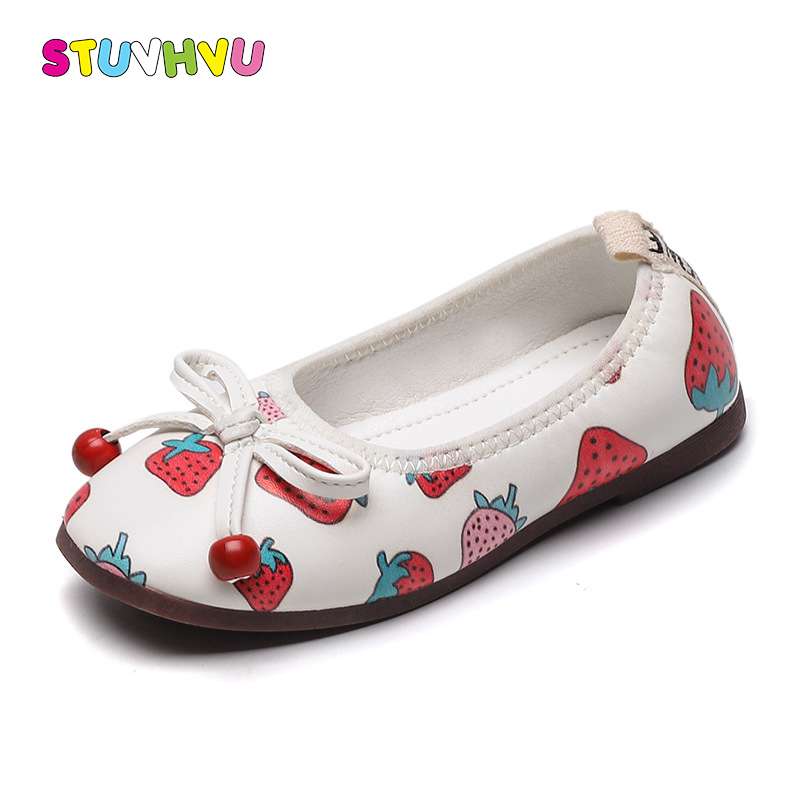 Fashion Girls Shoes Soft Bottom Leather Princess Children Shoes Sweet Cute Strawberry Print Kids Casual Single Shoes Flats