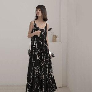 [EAM] Women Spaghetti Strap Black Pattern Print Long Dress New Sleeveless Loose Fit Fashion Tide Spring Autumn 2020 JZ457